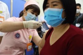 Tiêm thử nghiệm lâm sàng mũi 1 giai đoạn 1 vắc xin COVIVAC của IVAc nghiên cứu, phát triển tại Trường ĐH Y Hà Nội